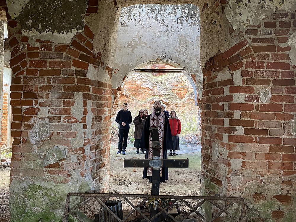 Ο Ιερός Ναός Αγίου Νικολάου του Θαυματουργού, στο χωριό Βιόσκα