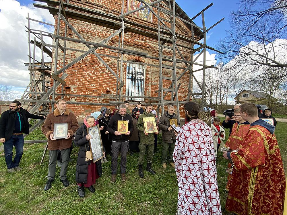 Ο Ιερός Ναός Ευαγγελισμού της Υπεραγίας Θεοτόκου, στο χωριό Σεμεντιάϊκα