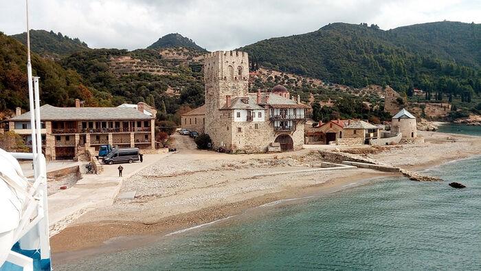 Причал (арсана) болгарского монастыря Зограф