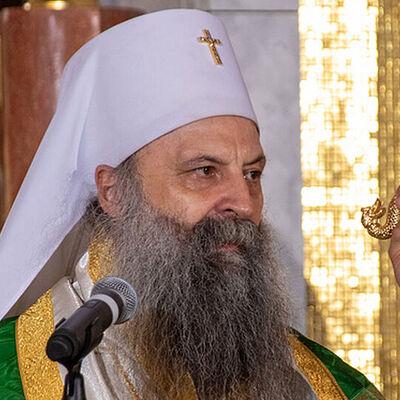 Патријарх српски Порфиријe: Господ нас је на Спасовдан узнео на Небо и наша ограничења покидао
