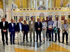 ΒΕΛΙΓΡΑΔΙ: Στενοί οι δεσμοί του ελληνικού με τον σερβικό λαό – Τη μεγαλύτερη εκκλησία των Βαλκανίων επισκέφθηκαν Ορθόδοξοι Βουλευτές