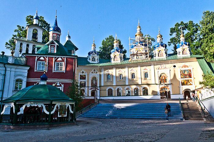 Το μοναστήρι των Σπηλαίων στο Πσκοβ