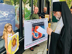 Pro-abortionists attempt to disrupt Orthodox pro-life prayer service (+VIDEO)