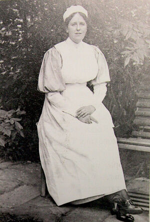 Марион Робинсон в форме сестры милосердия. 1920-е гг.