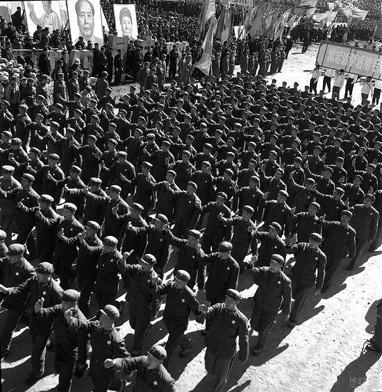 Коммунистический парад в Китае