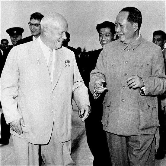Мао и Хрущев. Первая встреча Хрущева и Мао Цзэдуна произошла 21 декабря 1949 года