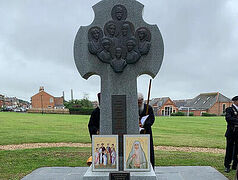 40th anniversary of canonization of Royal Martyrs celebrated at Romanov monument on Isle of Wight