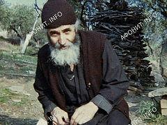 Ο Όσιος Παΐσιος ο Αγιορείτης και οι σχέσεις του με το ρωσικό μοναχισμό του Αγίου Όρους