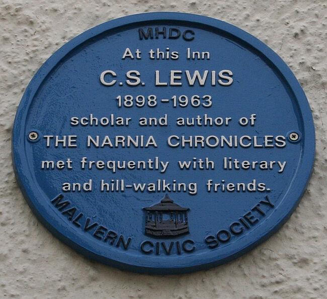 Plaque dedicated to C. S. Lewis on the Unicorn Inn in Malvern, Worcs (photo by Bob Embleton, Geograph.org.uk)