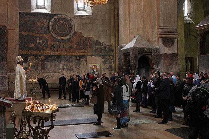 A service in Svetitskhoveli Cathedral in Mtskheta. Photo: sputnik-georgia.ru
