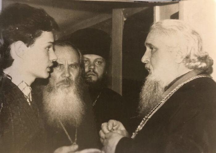 Беседа с митрополитом Гедеоном. Владикавказ, Храм пророка Илии, 1992 г.