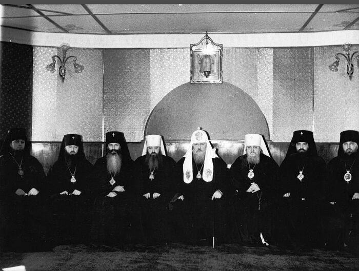 Участники хиротонии епископа Серапиона (Фадеева),1972 г. Крайний справа — епископ Новосибирский и Барнаульский Гедеон
