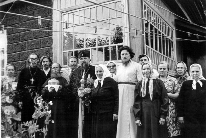 Владыка Гедеон с мамой Матроной Григорьевной