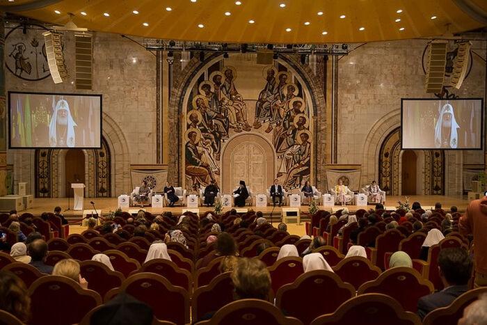 Пленарное заседание X Общецерковного съезда по социальному служению в Храме Христа Спасителя. Фото: Елена Добрякова.