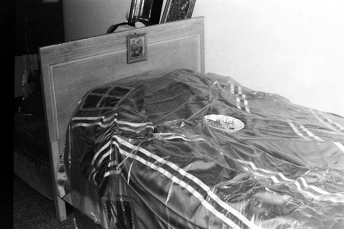 Кровать, на которую положили святителя Иоанна