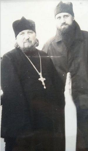 Προσκύνημα στο Βαλαάμ, 1990: πατέρες Ντανιήλ και Ραφαήλ (Σισκώφ) στο κατάστρωμα του πλοίου