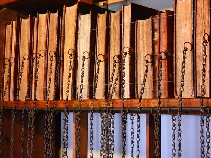 The Chained Library of the Wemborne Minster Church, Dorset (photo - Wikimedia Commons)