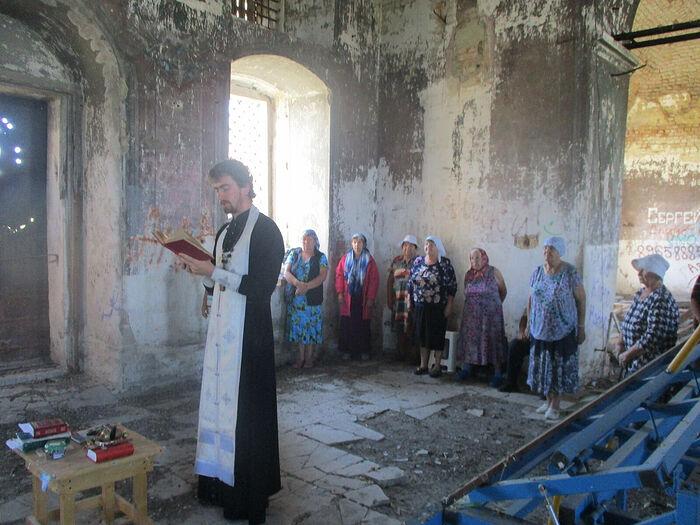 Молебен в Воскресенском храме