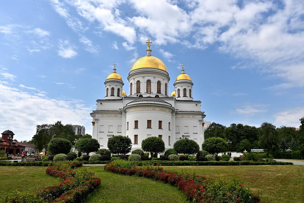 Собор святого Александра Невского, восстановленный собор