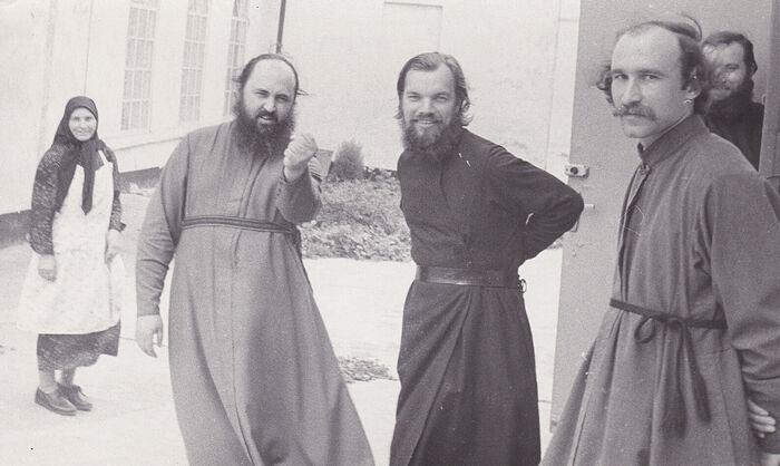 Будущие архиепископ Алексий (Фролов) и схиархимандрит Макарий (Болотов) в Бурдино