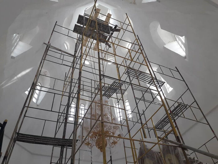 Ремонтные работы в верхнем храме