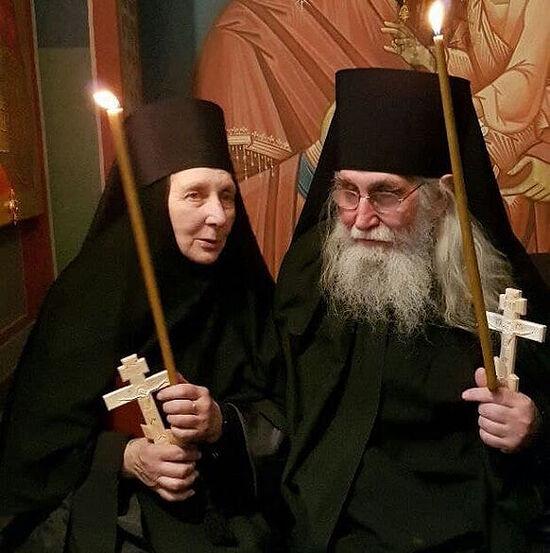 Отец Иоаким и монахиня Анна после пострига