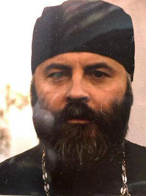 Ο πατήρ Γεώργιος Λάριν, τη δεκαετία του ΄80