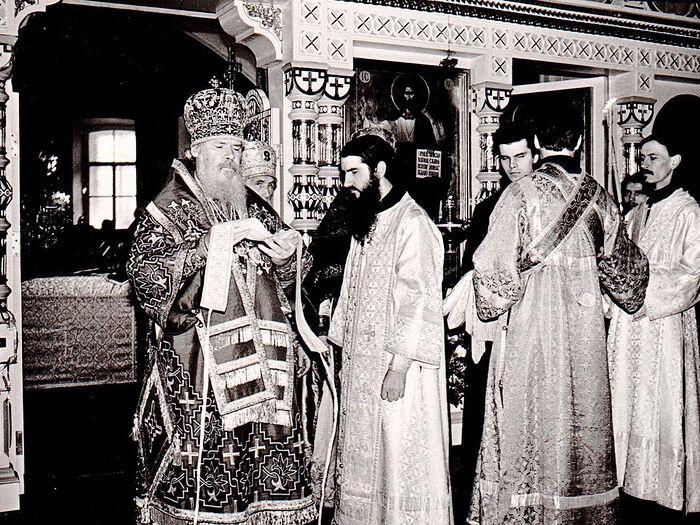 Хиротония отца Мефодия. Рукополагает Святейший Патриарх Алексий II
