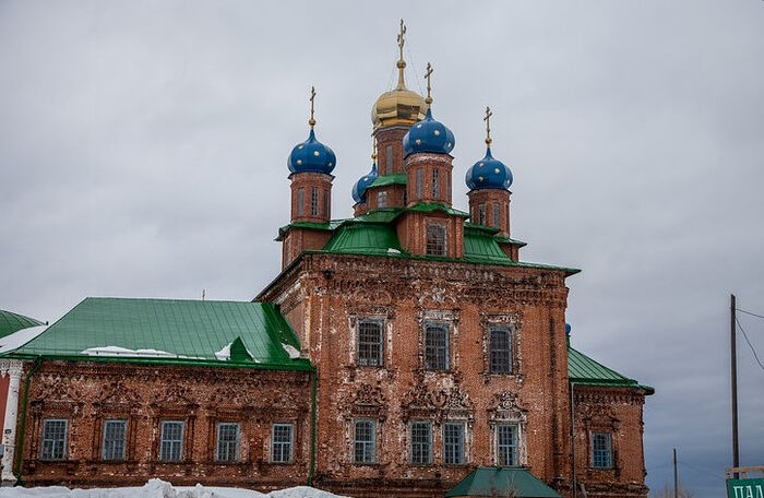 The old church, built by the Stroganovs in 1733