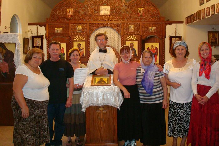 Archpriest Eugene Grushetsky with parishioners