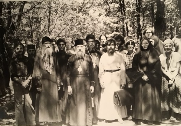 Владыка Лавр (Шкурла) и иеромонах Серафим (Роуз) на съезде молодежи