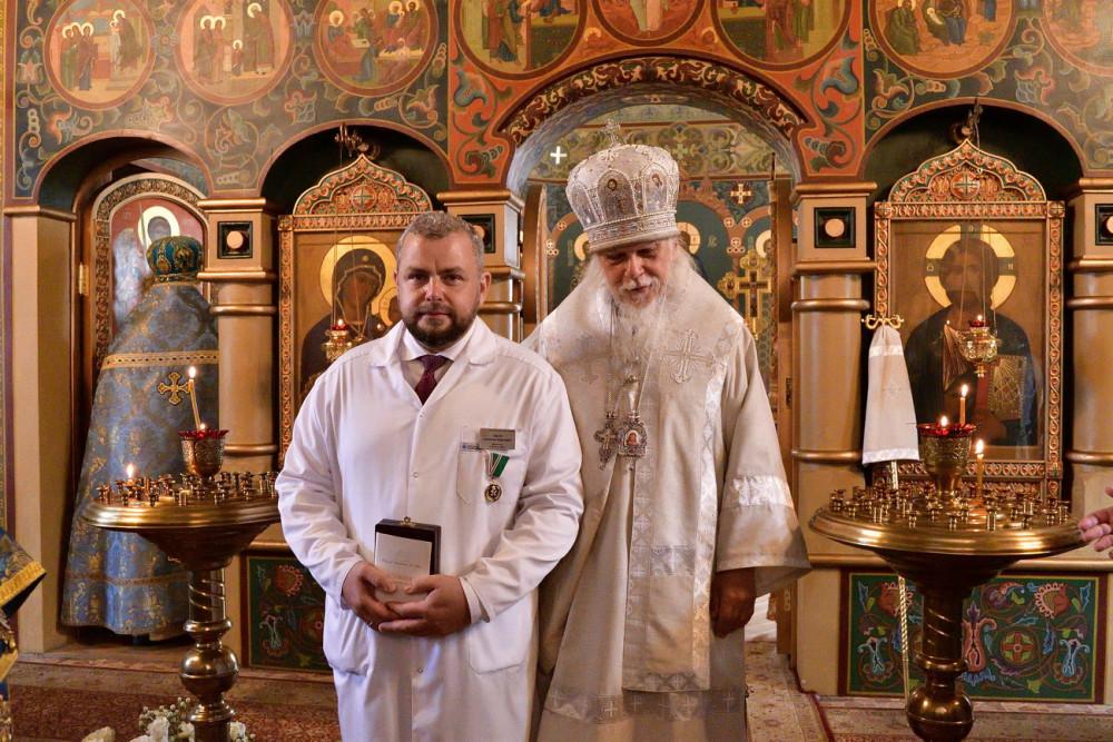 Епископ Пантелеимон и Алексей Заров, главврач ЦКБ свт. Алексия