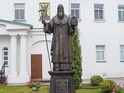 Глава Нижегородской митрополии освятил памятник святителю Алексию Московскому в Благовещенском монастыре Нижнего Новгорода