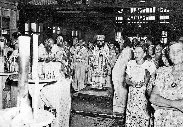 Η Λειτουργία στο νησί Τουμπαμπάο