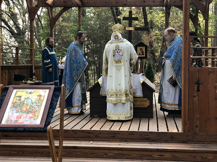 Bp. James of Sonora serves the Divine Liturgy for the anniversary of the repose of Fr. Seraphim (Rose) with Abbot Daamscene (right) and Hieromonk Paisy (right). Photo: Fr. Thaddeus Hardenbrook, Facebook