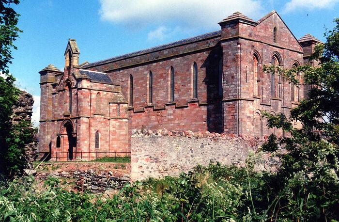 Внешний вид церкви приората Колдингем, Скоттиш-Бордерс (используется с разрешения приората)