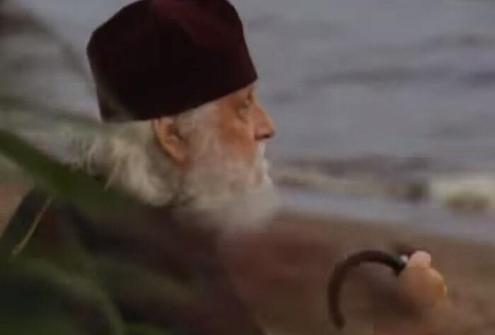 """Фото: кадр из фильма """"Епископ Василий (Родзянко). Моя судьба. Фильм 11. Последний поклон"""""""