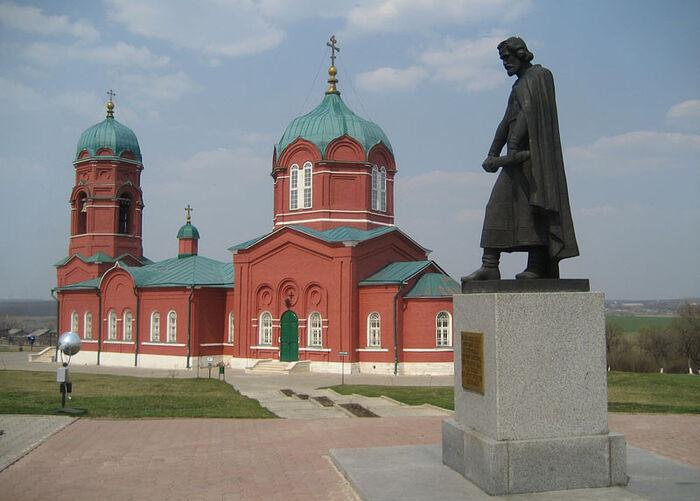 Храм в честь Рождества Пресвятой Богородицы в с. Монастырщина