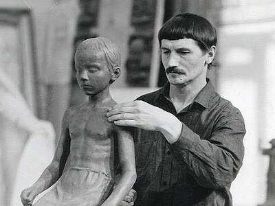«Православные памятники Вячеслав Клыков ставил за свой счет»