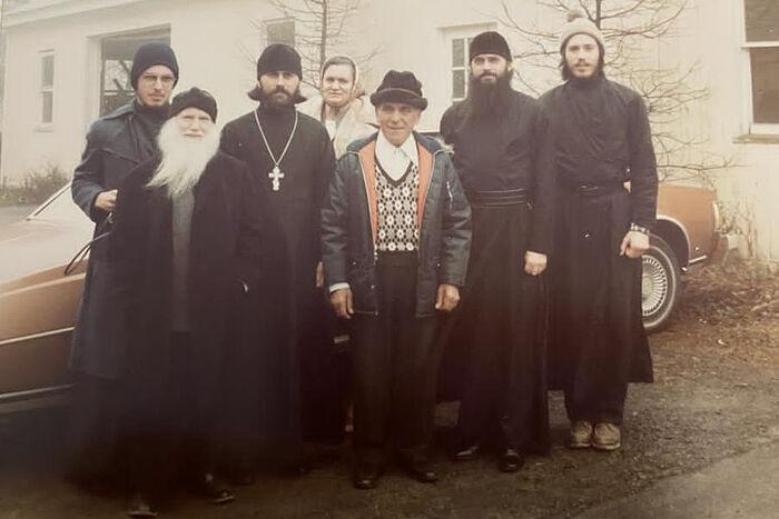 Константин Буциген, архимандрит Владимир (Сухобок), монах Феодосий (Клар), Павел Волменский (крайний справа). Джорданвилль, 1981 г.