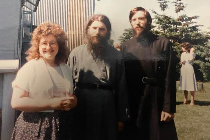 Иеромонах (ныне епископ) Лука (Мурьянка), Павел и Сусанна Волменские в день крестин первенца, дочки Елизаветы