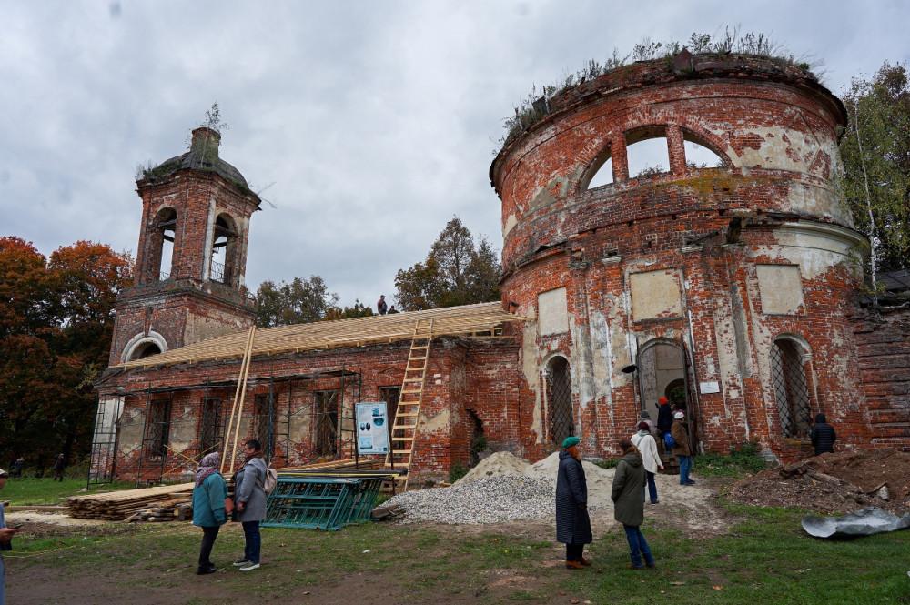 Ο Ιερός Ναός της Παναγίας του Κορσούν
