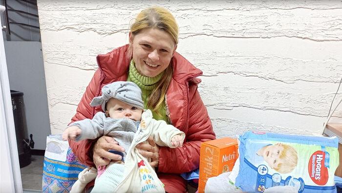 Needy families receive necessary items in Bishkek. Photo: diaconia.ru