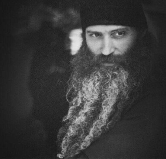 Ο Ιερομόναχος Σεραφείμ (Ρόουζ)