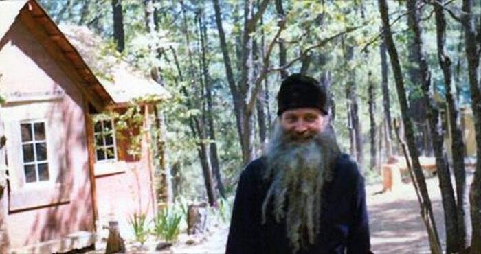 Ο πατήρ Σεραφείμ (Ρόουζ), το 1981