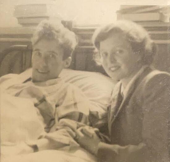 Танкист Стэнли и медсестра Клара в госпитале в годы Второй мировой войны