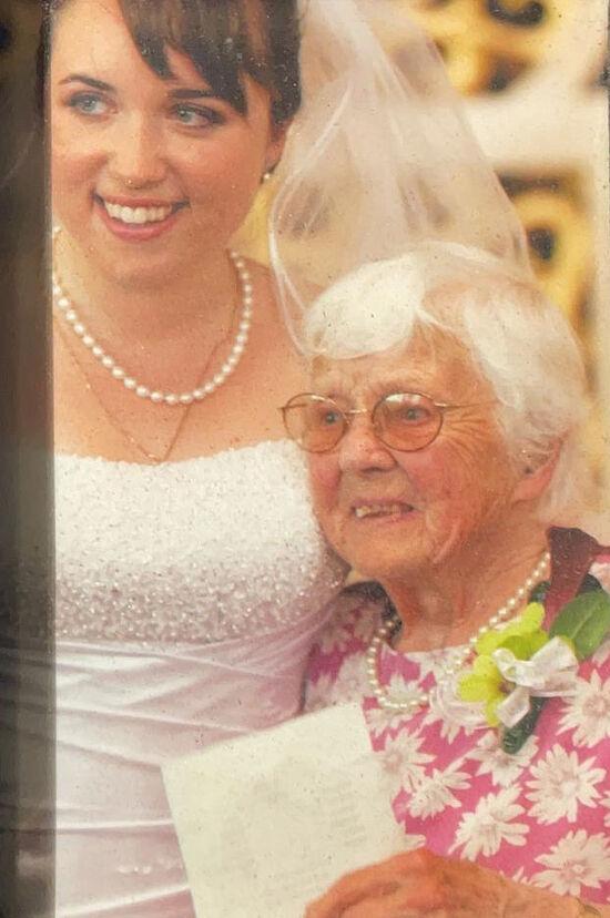 Клара с внучкой – нашей старшей дочерью Елизаветой