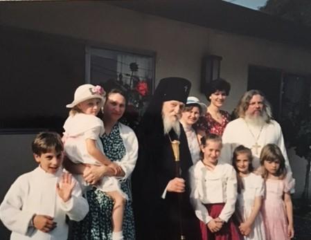 Владыка Антоний (Медведев) с прихожанами