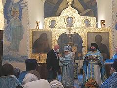 Председатель Синодального отдела по благотворительности вручил церковные награды медикам московских больниц