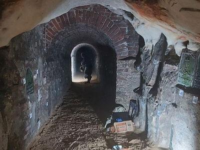 Завершены предварительные исследования керамид в пещерах Псково-Печерского монастыря